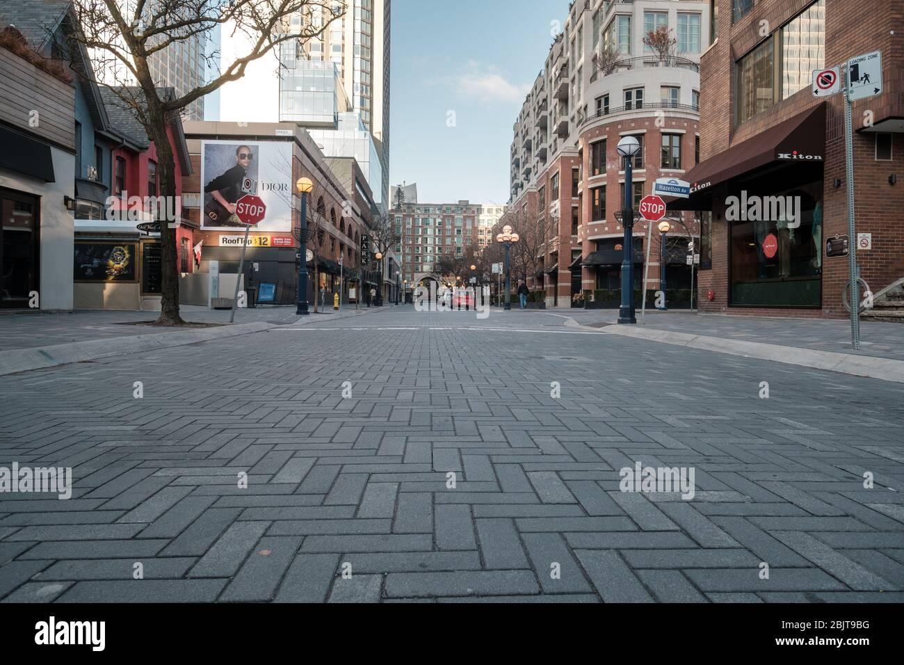 Centro de Toronto durante la pandemia COVID-19 - calles vacías de la ciudad Foto de stock