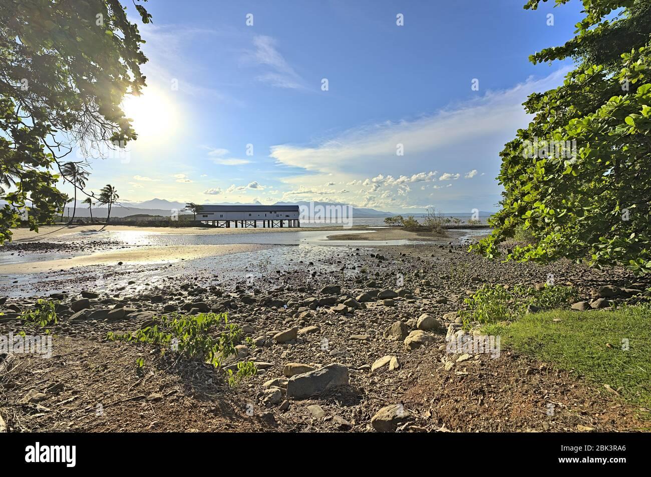 El muelle de azúcar en Port Douglas en la costa este de Australia Foto de stock