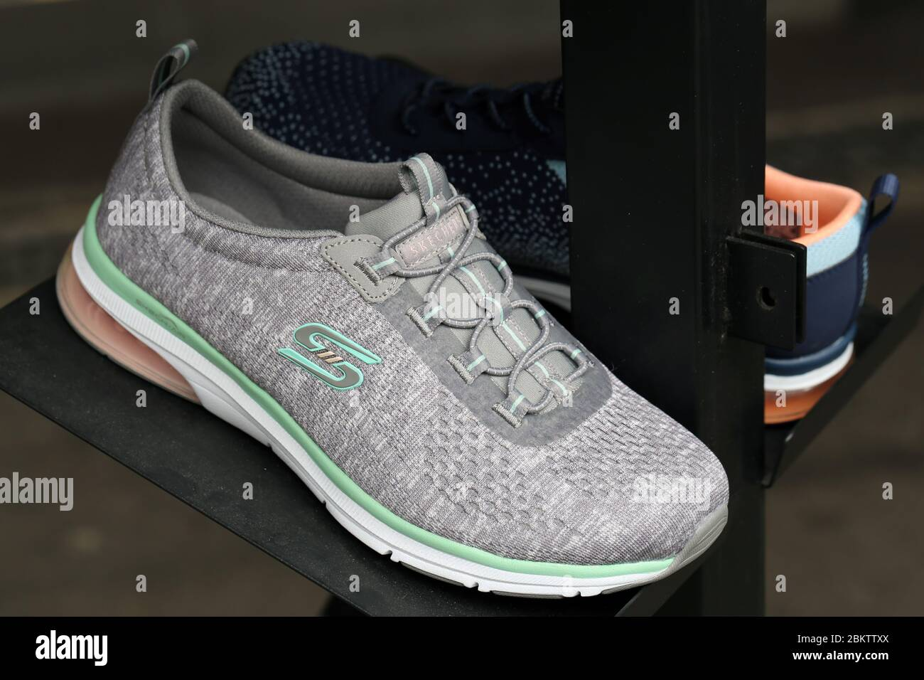 zapatos skechers almacen florida