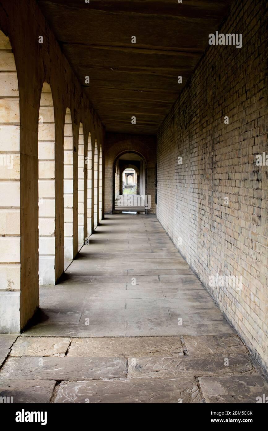 Cementerio Brompton, Kensington, Londres; uno de los cementerios de Londres 'Magnificent Seven', construido en 1840, que abarca 16 hectáreas con 205,000 tumbas. Foto de stock