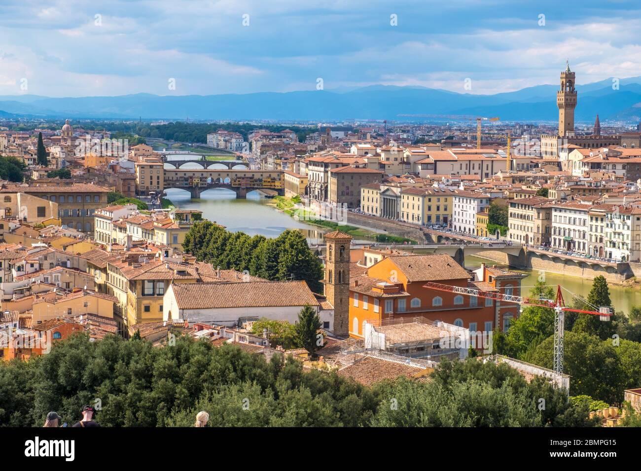 Florencia, Italia - 16 de agosto de 2019: Vista del horizonte de Florencia y el paisaje de la Toscana, Italia Foto de stock