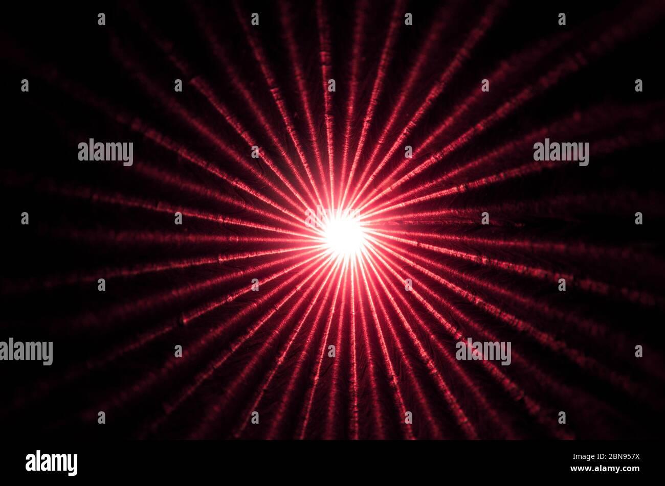 Luz al final de un túnel oscuro Foto de stock
