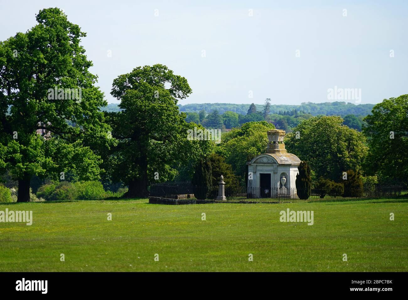 El mausoleo de la familia Lytton en el Parque Knebworth Foto de stock