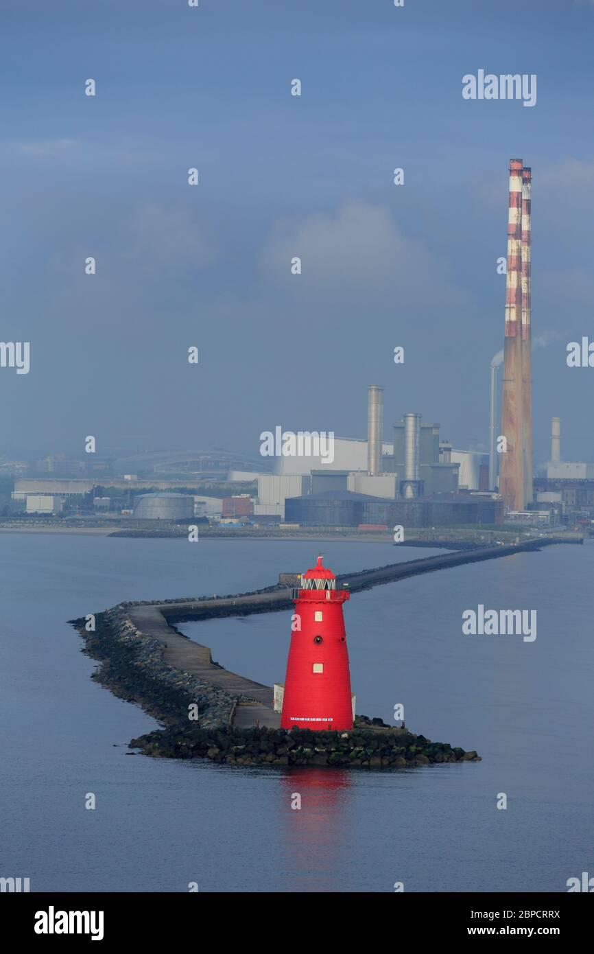 Poolbeg Lighthouse, Dublin City, County Dublin, Irlanda Foto de stock
