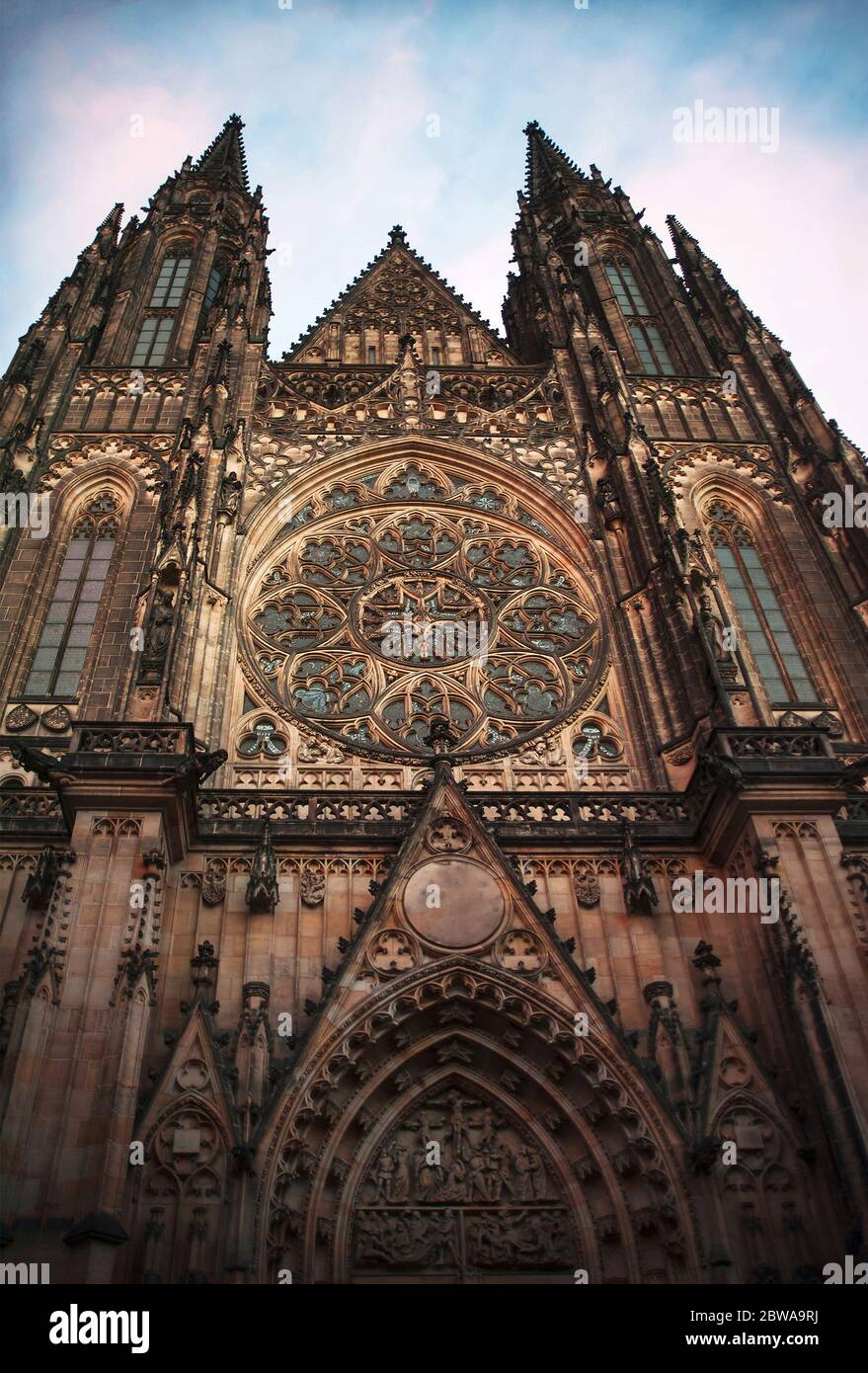 Catedral gótica de San Vito en el Castillo de Praga, República Checa Foto de stock