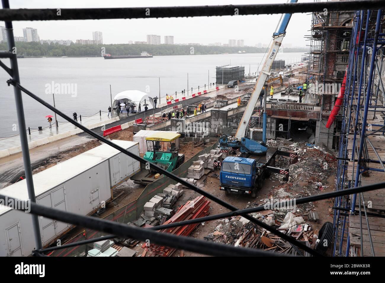 Moscú, Rusia. 2 de junio de 2020. Se están realizando obras de mejora en la terminal del río Norte. Crédito: Gavriil Grigorov/TASS/Alamy Live News Foto de stock