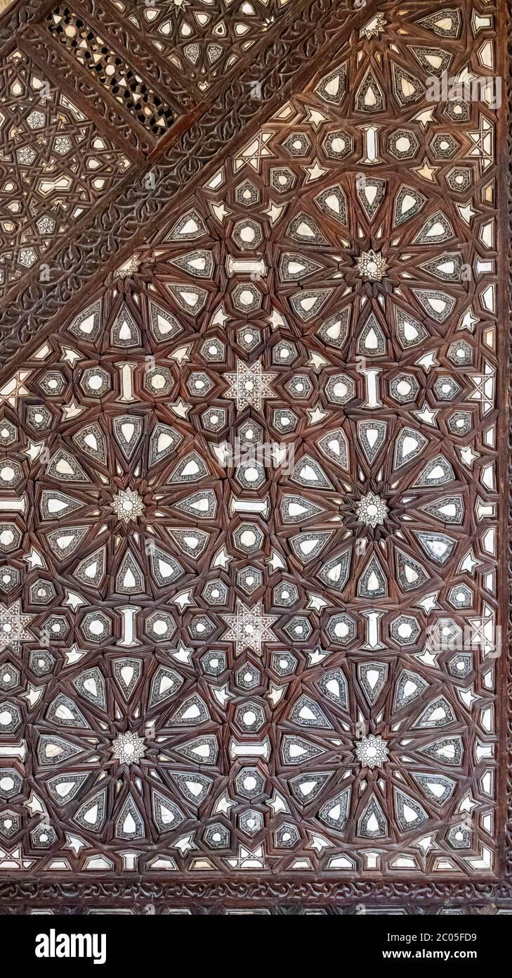 Detalle del inlay, ahora robada, en minbar de complejo de Sultan al-Mu'ayyad, Cairo, Egipto Foto de stock