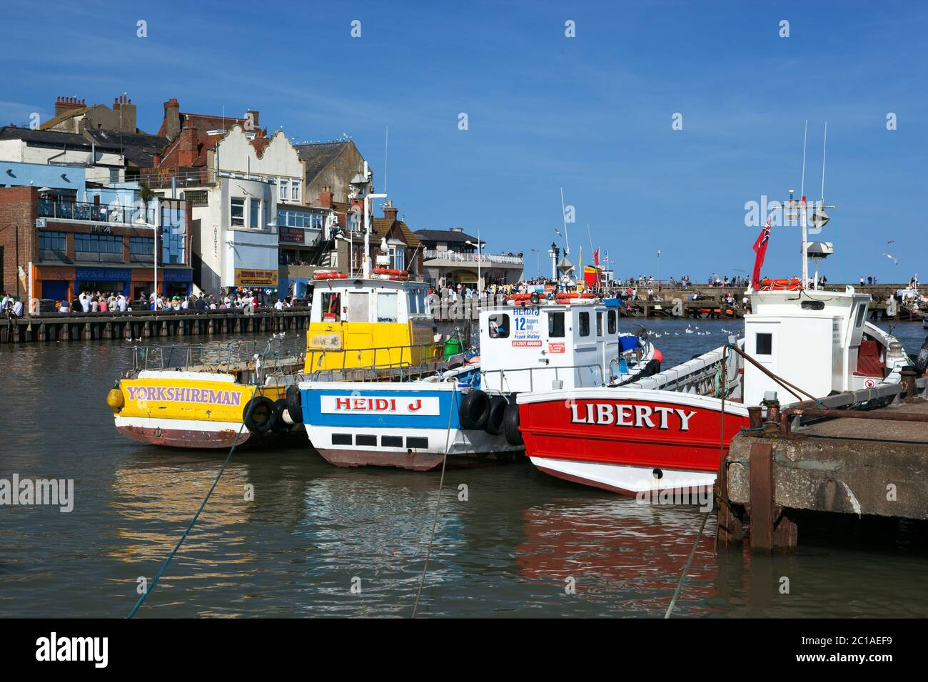 Barcos de pesca en el puerto, Bridlington, East Riding of Yorkshire, Inglaterra, Reino Unido, Europa Foto de stock