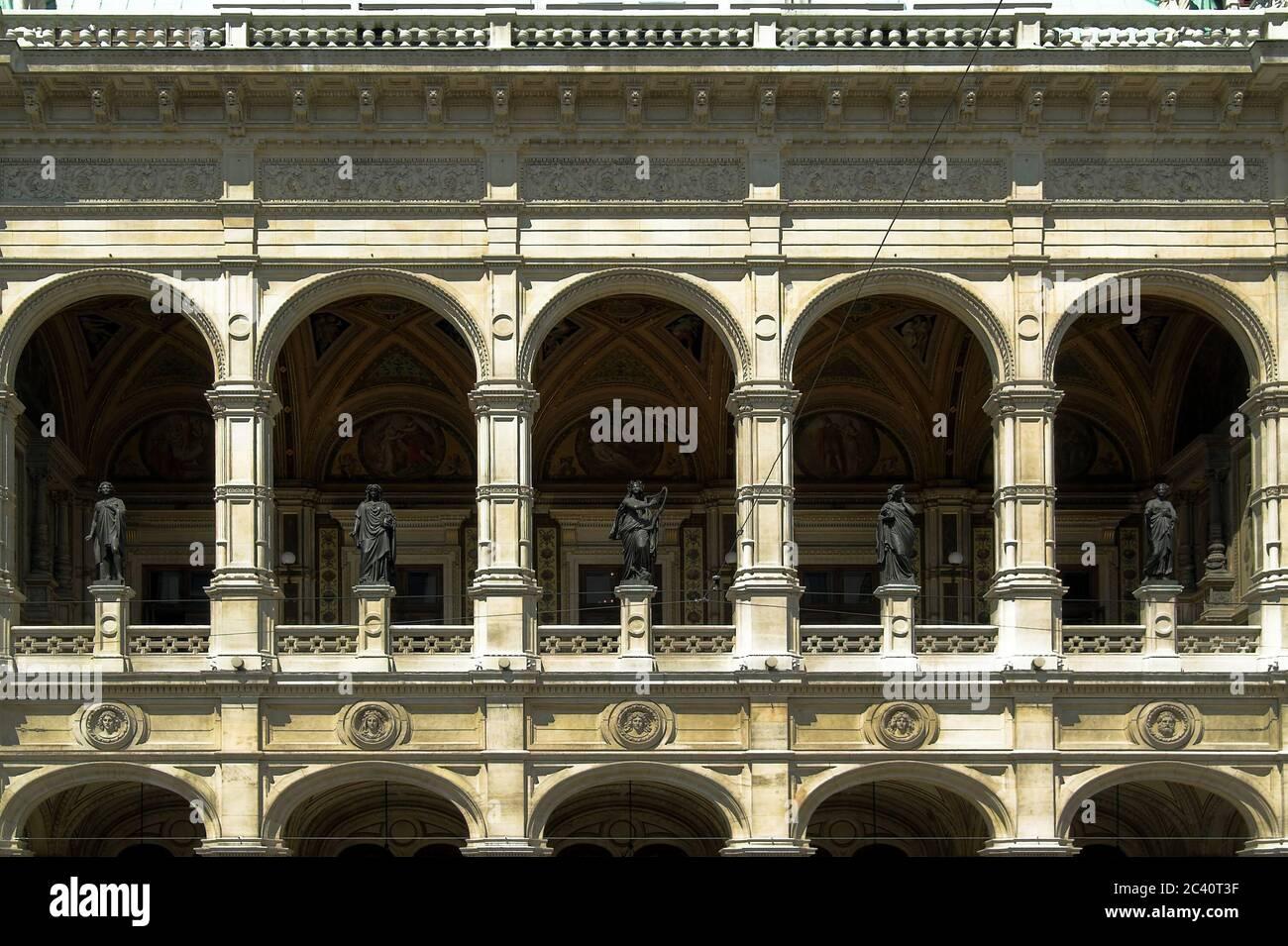 Wiedeń, Viena, Viena, Viena, Ópera Estatal; Wiener Staatsoper; Opera Wiedeńska - fragmento del edificio; Fragment des Gebäudes Foto de stock