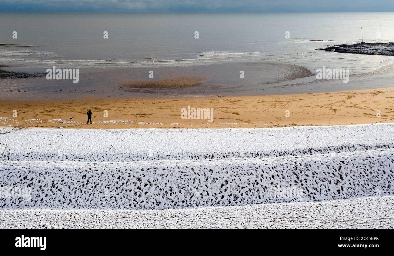 Playa en invierno, Broadstairs, Kent, Inglaterra Foto de stock