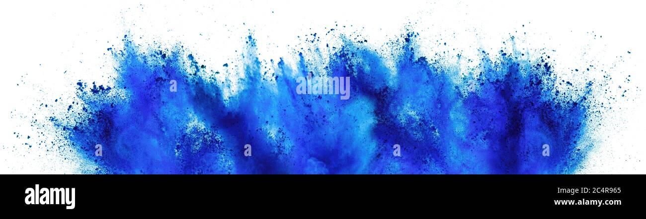 azul cian holi pintura color polvo festival explosión aislada sobre fondo blanco. impresión industrial concepto fondo Foto de stock