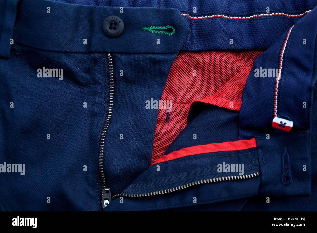 Tommy Hilfiger Pantalones De Hombre Fotografia De Stock Alamy