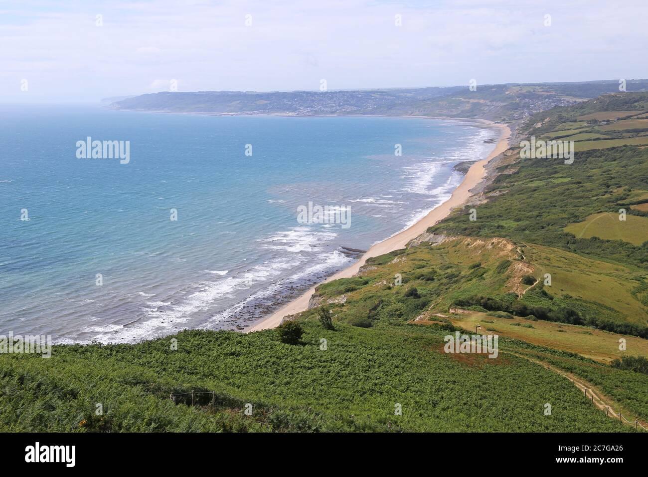 Vista hacia el oeste desde Golden Cap, South West Coast Path, Dorset, Inglaterra, Gran Bretaña, Reino Unido, Reino Unido, Europa Foto de stock