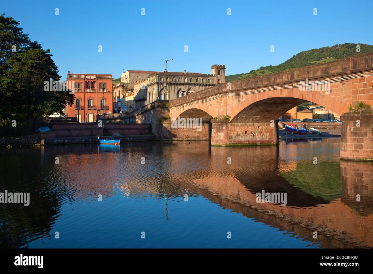 Geografía / viajes, Italia, Cerdeña, Provincia de Oristano, Bosa, Fiume Teno, Derechos adicionales-liquidación-Info-no-disponible Foto de stock