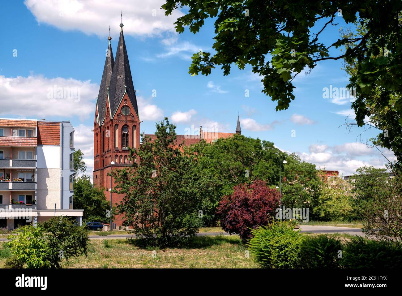 El Friedenskirche (antes Nicolaikirche y Iglesia reformada) es una iglesia protestante y el edificio de piedra más antiguo de Frankfurt (Oder). Foto de stock