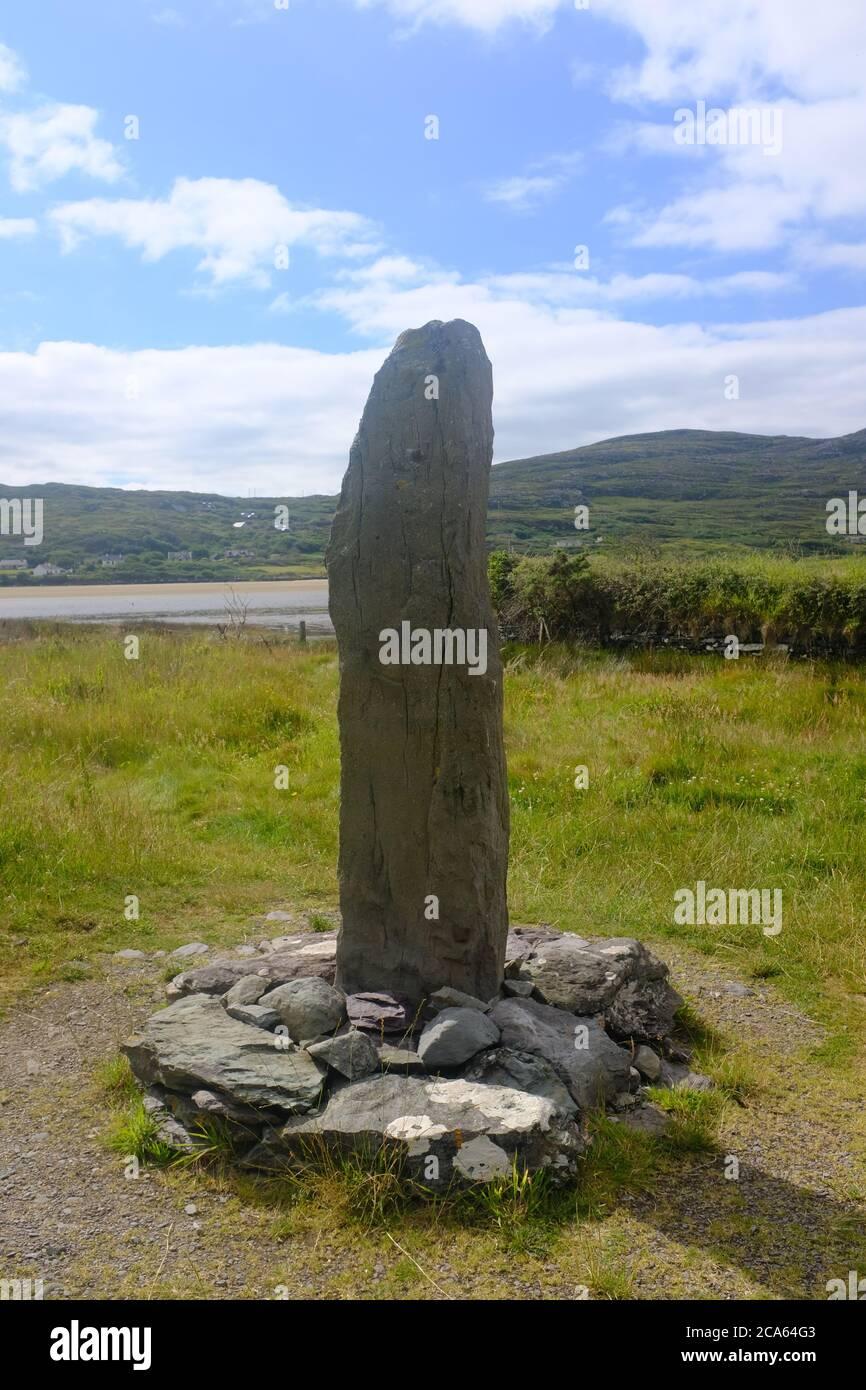 Caminando por la vía de Kerry en 2019 en el conde Kerry en el sur de Irlanda en bucle alrededor de la península de Iveragh sección Caherdaniel a Waterville Foto de stock