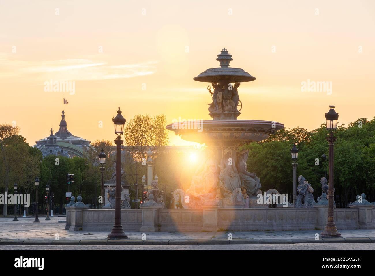 Plaza de la concordia al atardecer, París Foto de stock