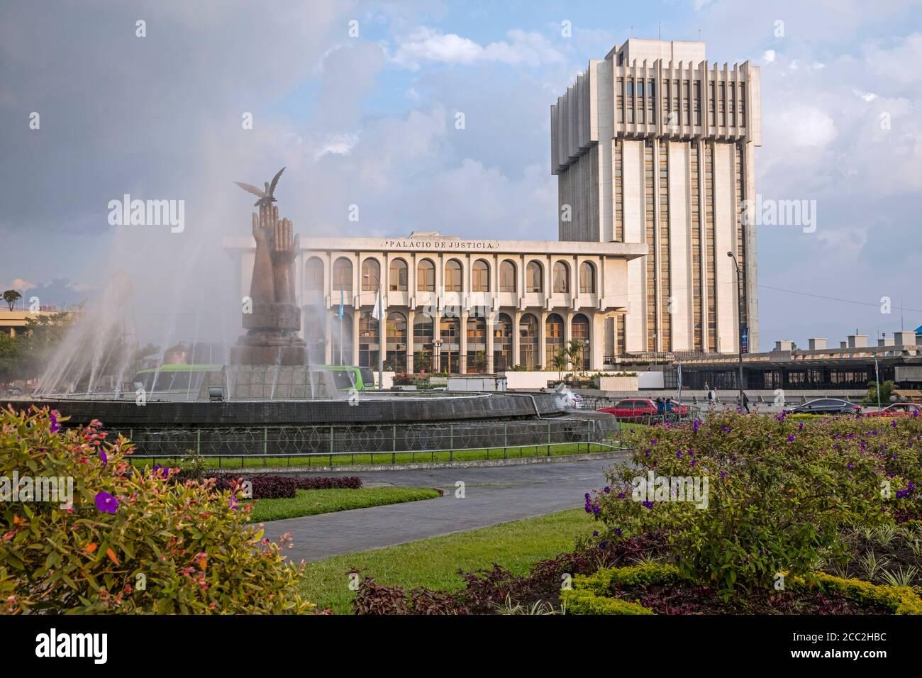 Palacio de Justicia / Corte Suprema de Justicia de Guatemala en Ciudad de Guatemala / Guate / Ciudad de Guatemala, Centroamérica Foto de stock