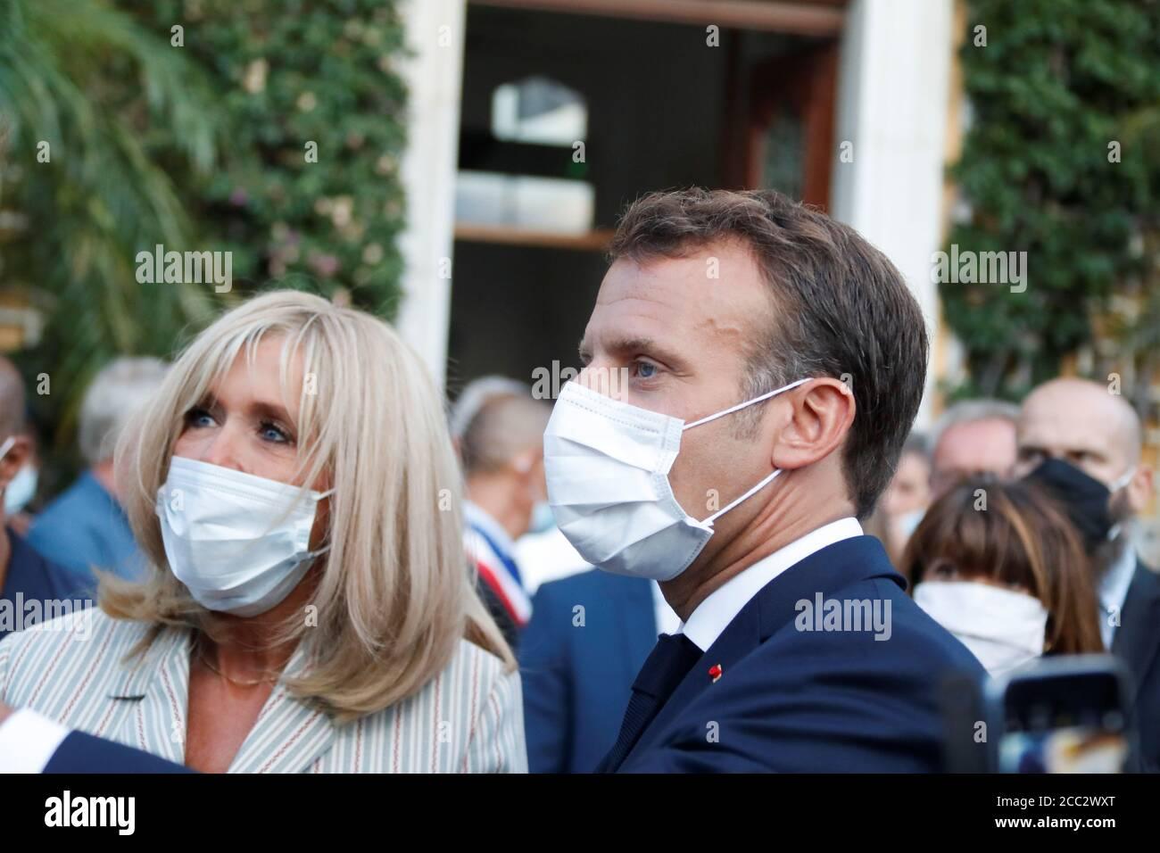 El Presidente Frances Emmanuel Macron Y Su Esposa Brigitte Macron Toman Parte En Una Ceremonia Conmemorativa