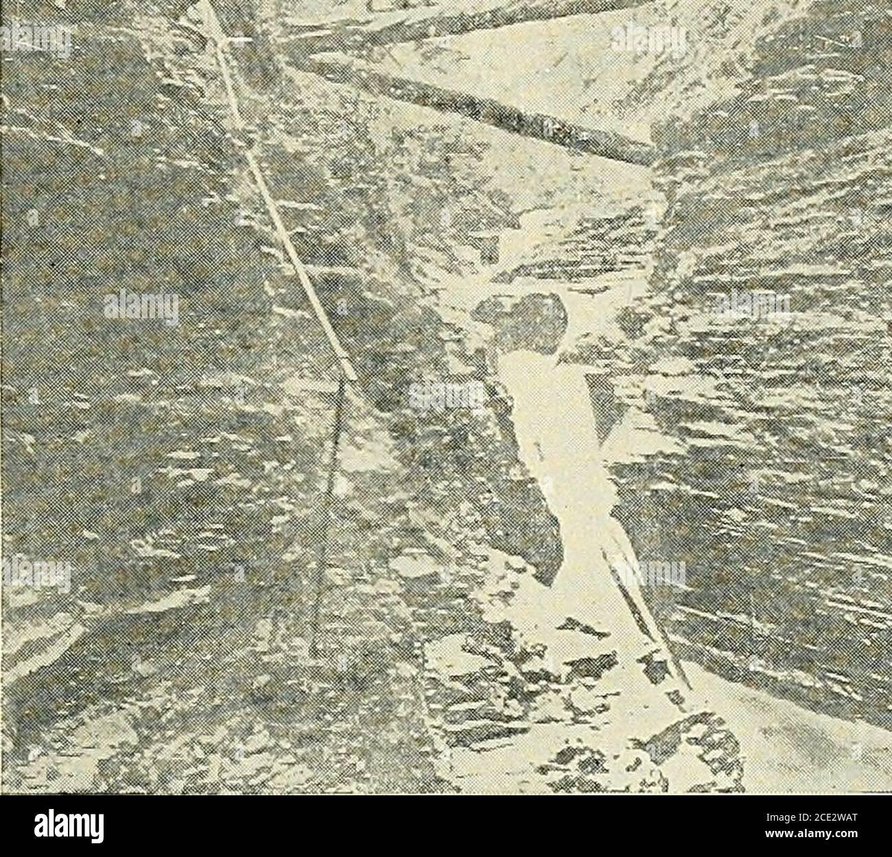 . Geografía física elemental . Fig. 132. Borde de las Cataratas del Niágara. Un valle que tiene lados muy suavemente inclinados sobre las cataratas y lados precipitados abajo, simplemente porque eran valles preparados. Se creía que la corteza de la tierra había sido contorsionada y agrietada, que las inundaciones del océano habían arrasado sobre la tierra, y que los ríos no tenían prácticamente ninguna parte en la formación de los valles que ocupaban. Ahora sabemos que la mayor-idad de los ríos han formado sus propios valles, que los han formado de una manera muy lenta, y que la mayoría de ellos son VALLES DE LOS RÍOS. 265 todavía se ha comprometido en el wor Foto de stock