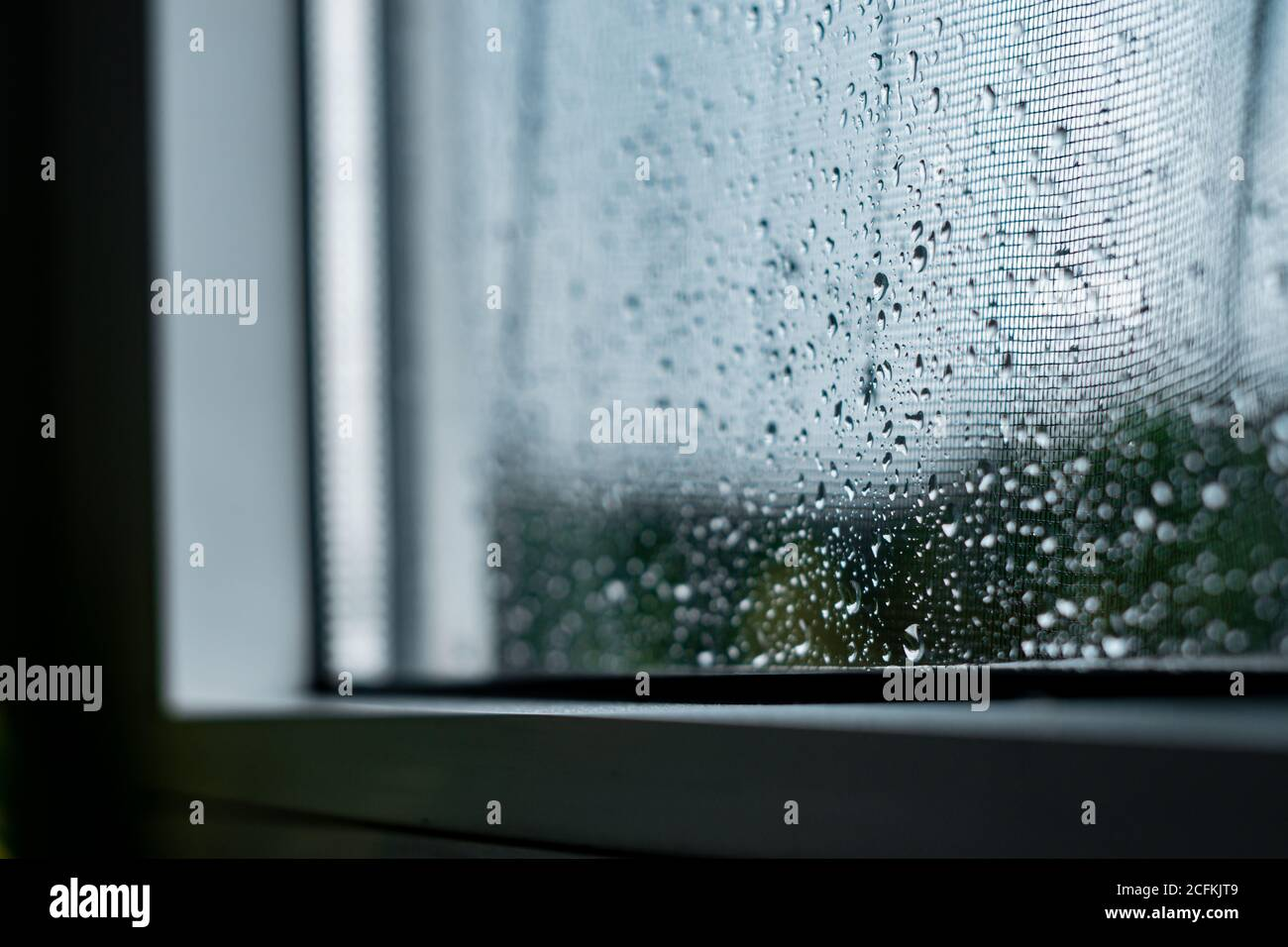 Gotas de lluvia en la ventana Foto de stock