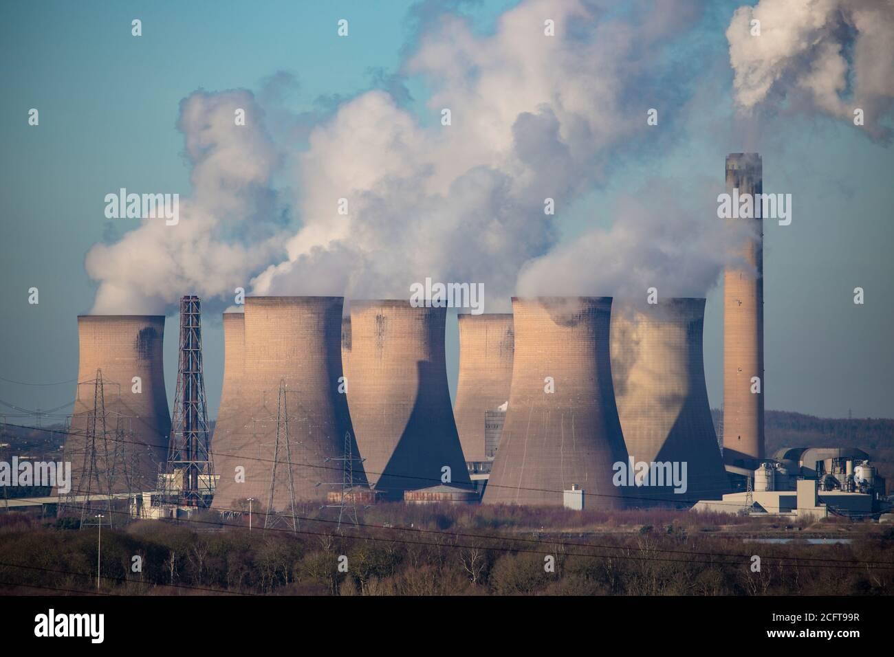 Central eléctrica de carbón en Fiddlers Ferry Foto de stock