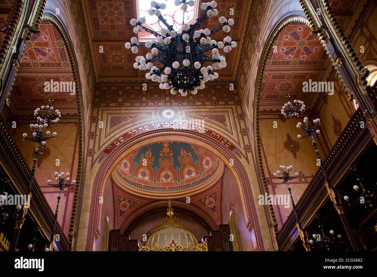 Interior de la Gran Sinagoga de Dohany Street, Budapest, Hungría Foto de stock