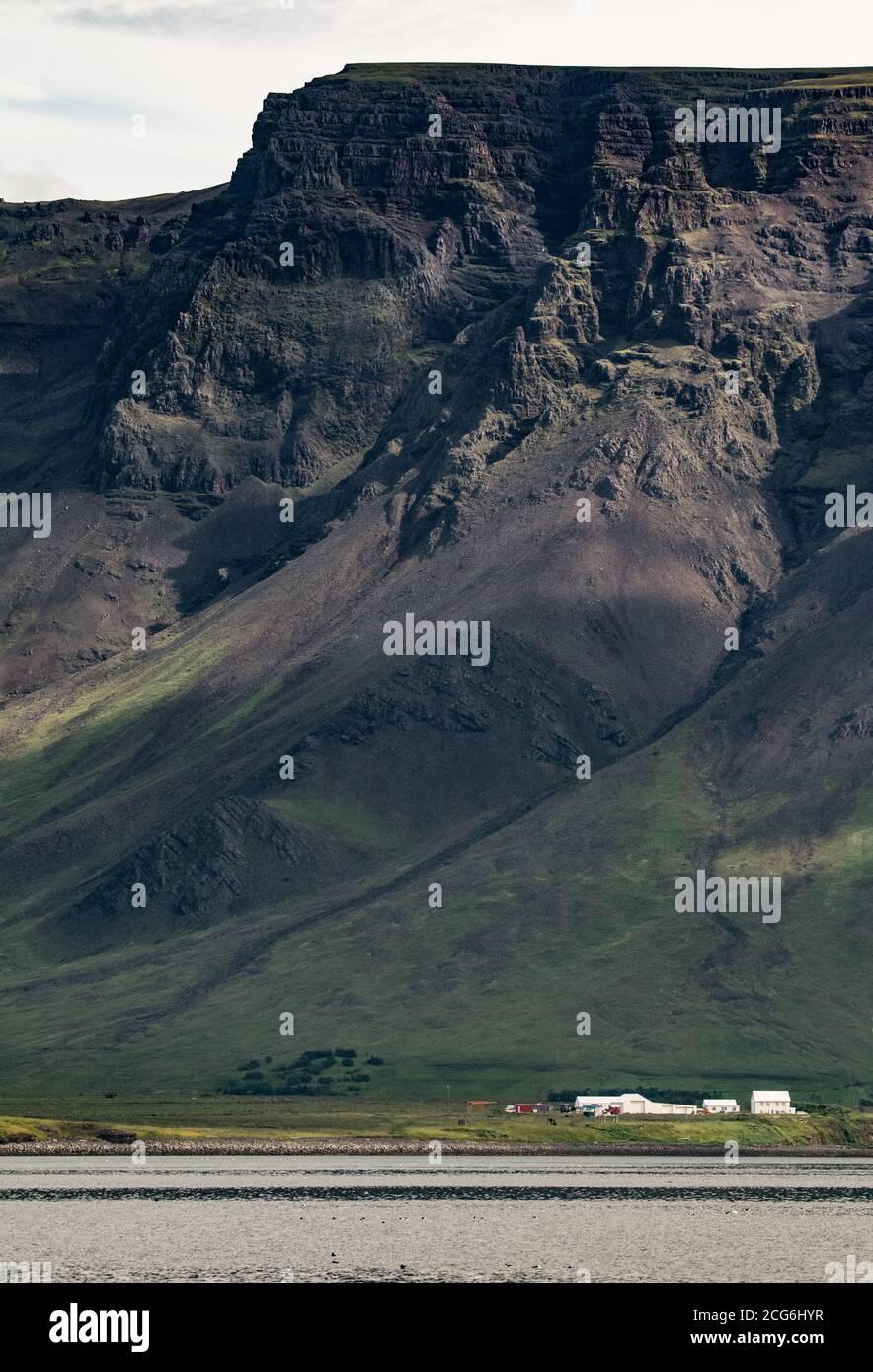 Montaña Esja, Islandia Foto de stock