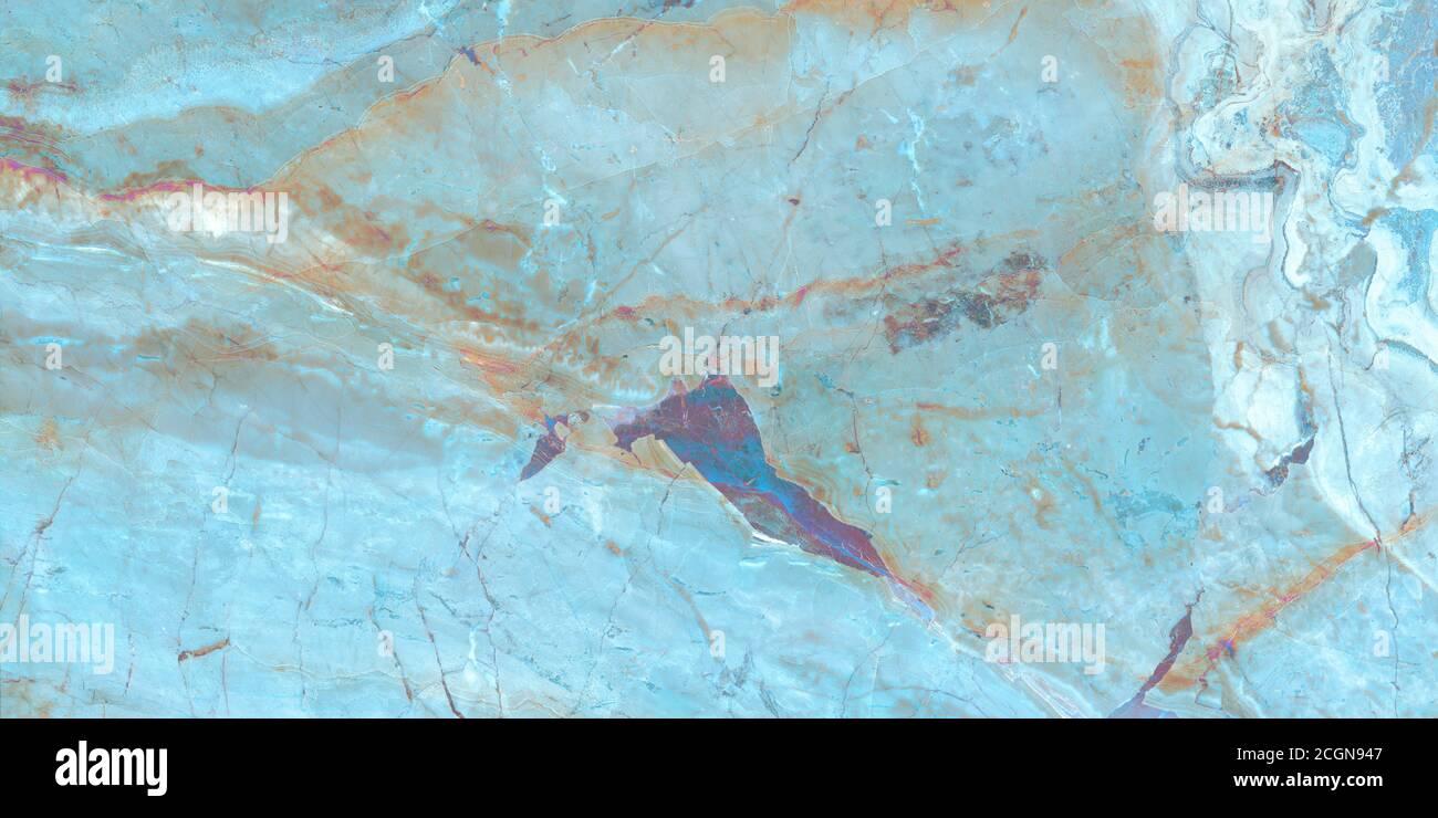 Lujoso mármol de onyx Aqua Tone con venas doradas de alta resolución, mármol verde turquesa, mineral pulido, agua azul en la piscina ondulada Foto de stock
