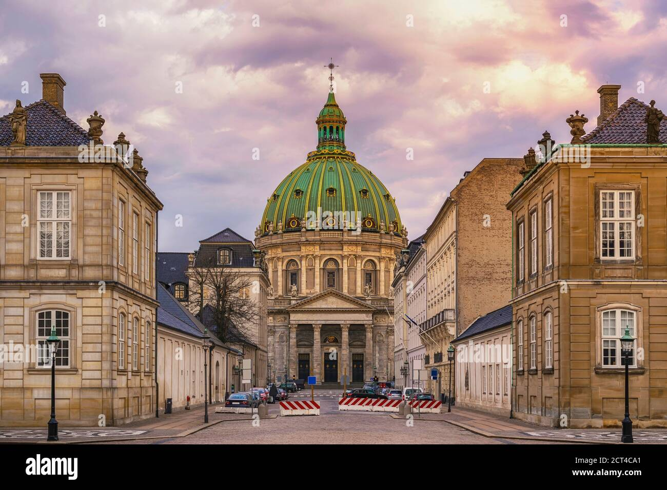 Copenhague Dinamarca, ciudad en el horizonte del Palacio de Amalienborg Foto de stock
