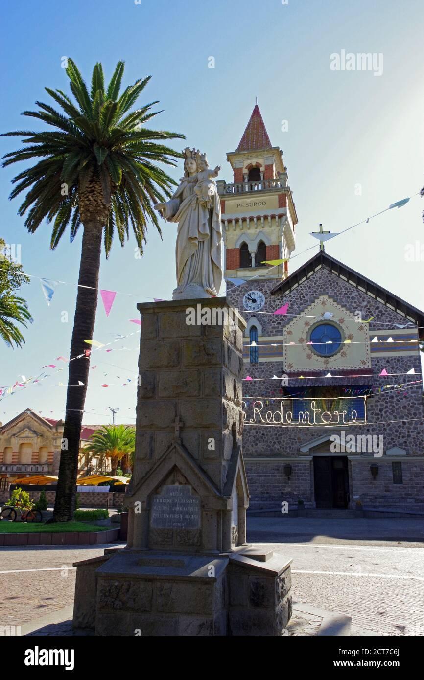 Arborea, Cerdeña, Italia. La iglesia Santa Redeemerr Foto de stock