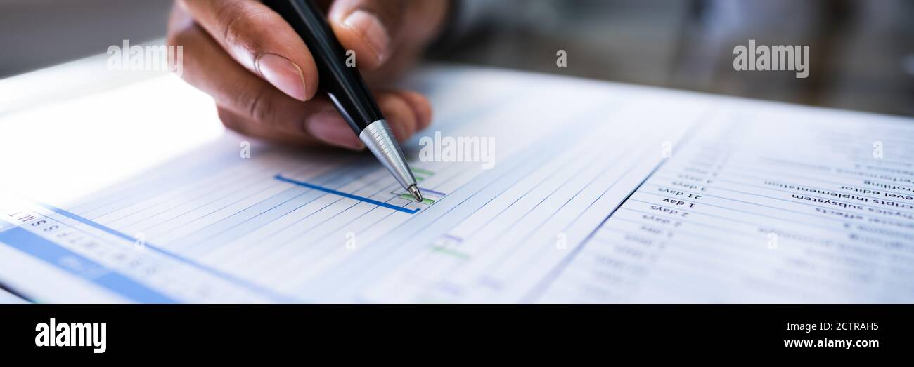 Diagrama de Gantt Programa de proyecto e Informe de personal de empleado Foto de stock
