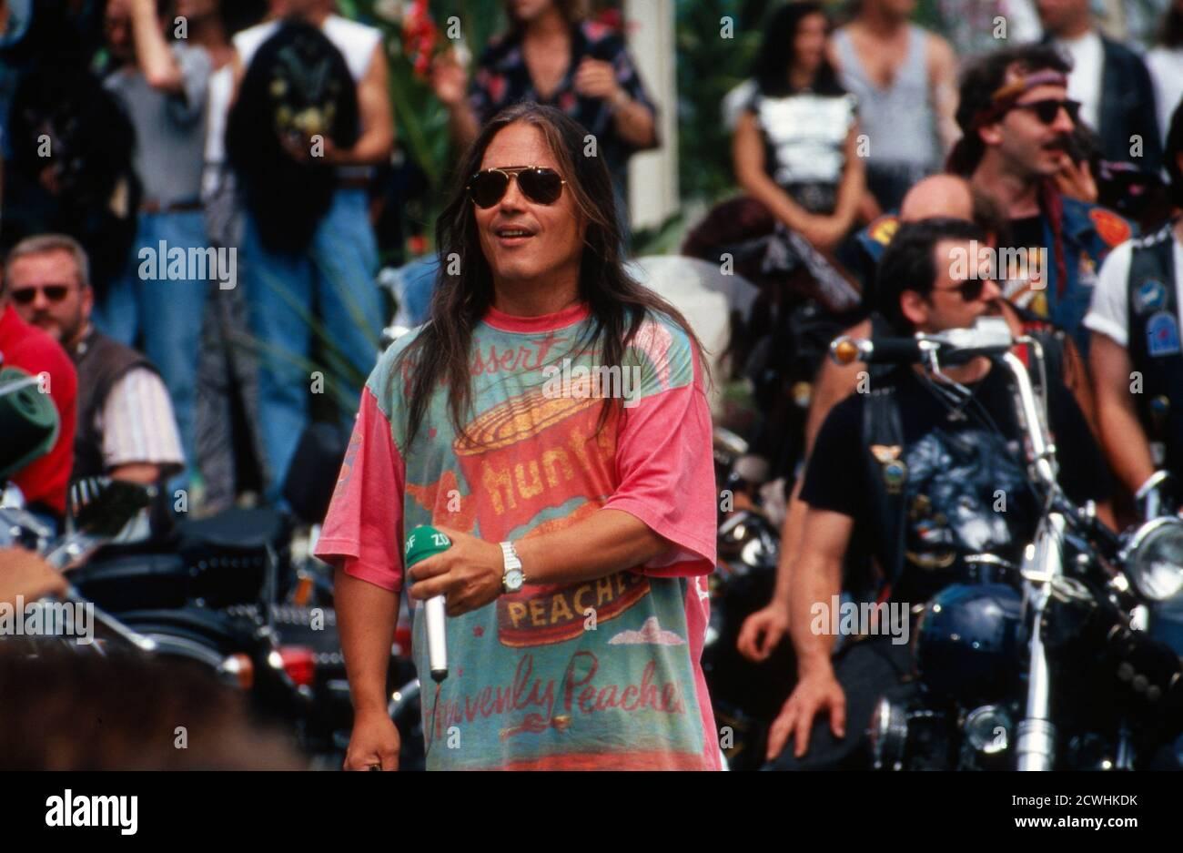 ZDF Fernsehgarten, Sonntags-Unterhaltungsshow, Sendung vom 3. Juli 1994, Gaststar: Sänger Tony Carey Foto de stock