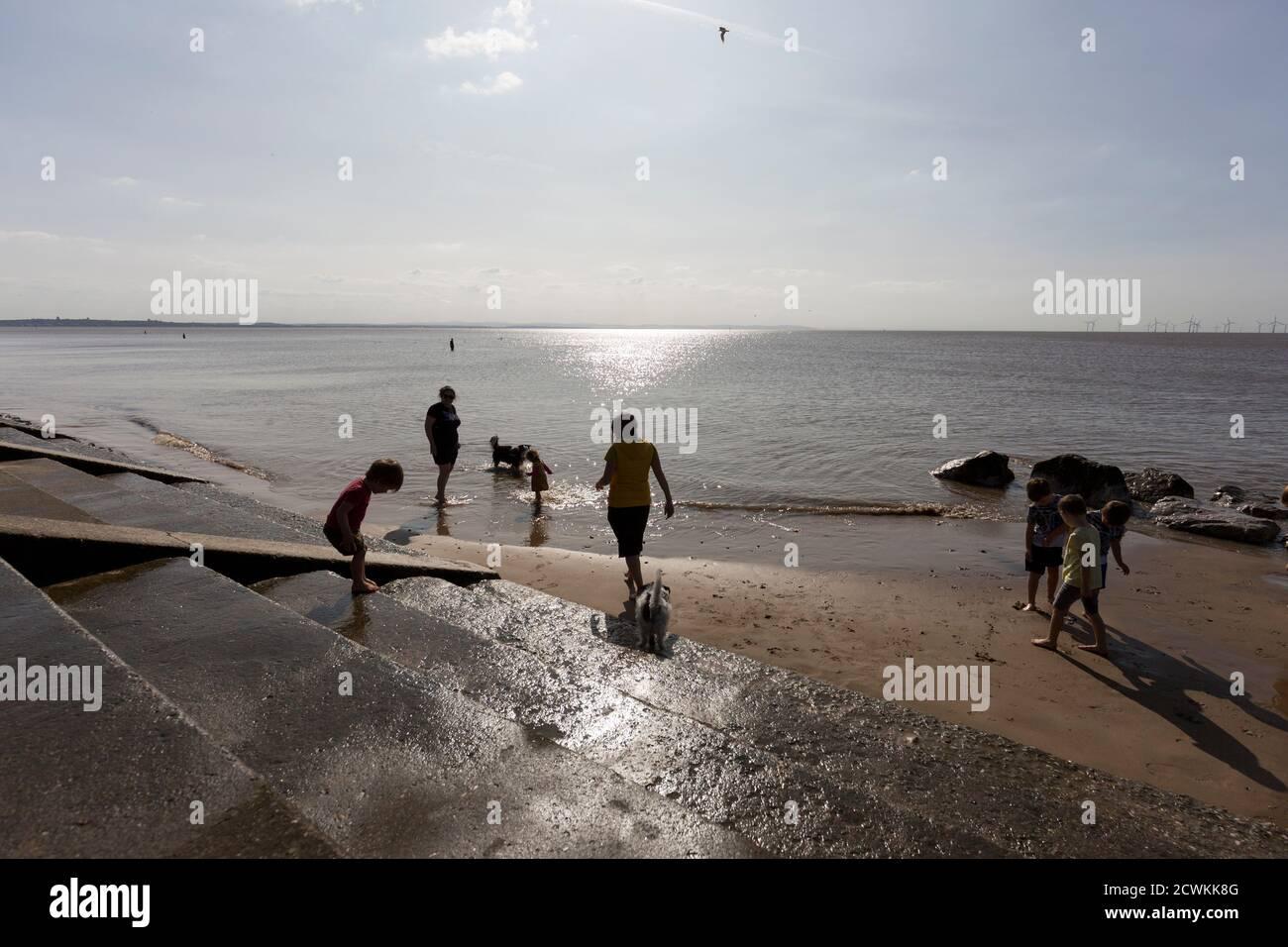 Crosby Beach, parte de la costa de Merseyside al norte de Liverpool en el distrito metropolitano de Sefton, Inglaterra. Foto de stock