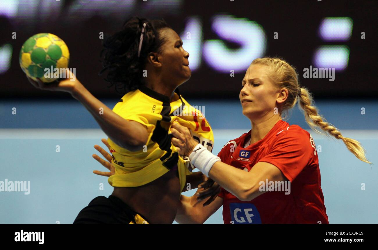 Campeonato Mundial De Balonmano Femenino Fotos E Imágenes De Stock Página 7 Alamy