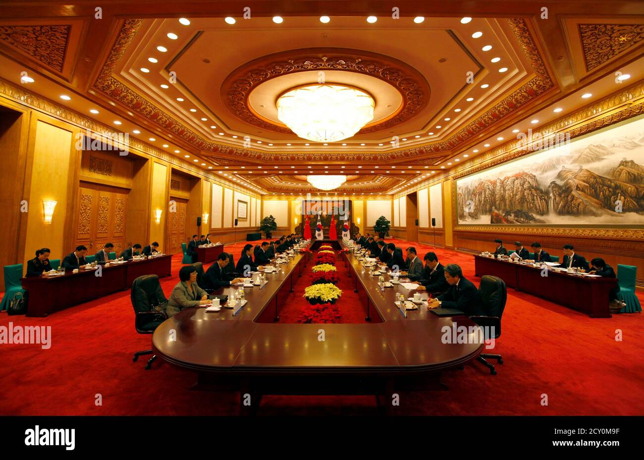 South Korea's Prime Minister Kim Hwang-Sik sits opposite China's Premier Wen Jiabao during their meeting in the Great Hall of the People in Beijing April 13, 2011. Kim is on a four-day official visit to China.    REUTERS/David Gray    (CHINA - Tags: POLITICS) Foto de stock