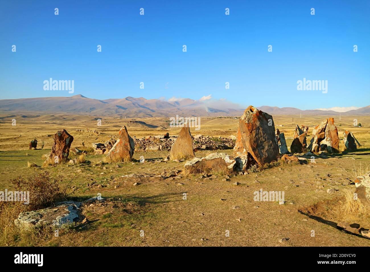El Círculo Central de Carahunge, también llamado Stonehenge armenio, un sitio arqueológico prehistórico en la provincia de Syunik de Armenia Foto de stock