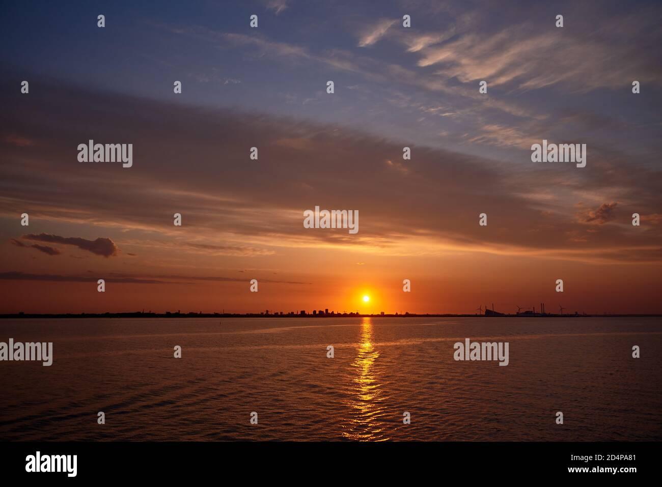 paisaje nocturno de la capital de danmark copenhague Foto de stock