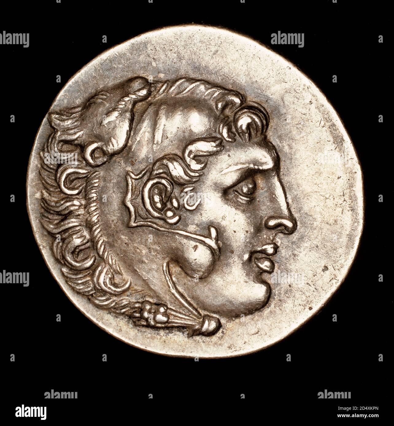 Rara moneda griega antigua, plata Tetradrachm, Clozomenae (asunto póstumo) Alejandro Magno con el Casco de León Nemeo, 200 AC Foto de stock