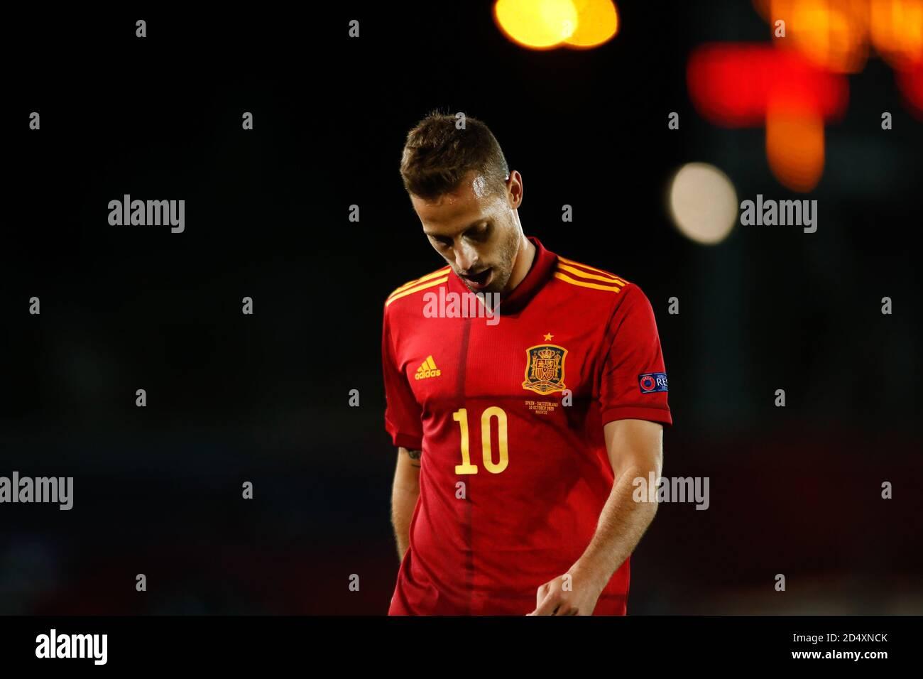 El ergio Canales de España mira durante el partido de fútbol de la Liga de las Naciones de la UEFA entre España y Suiza el 10 de octubre de 2020 en Alfredo Di Stefano Foto de stock