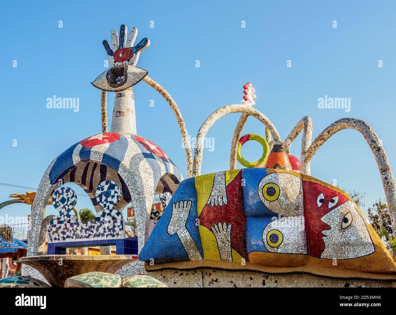 Casa de Fuster, vista detallada, Fusterlandia, Barrio Jaimanitas, Distrito Playa, la Habana, Provincia de la Habana, Cuba Foto de stock