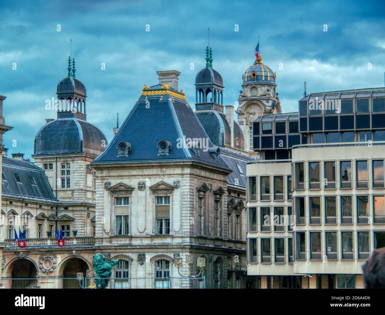 Techos, Lyon, Auvergne-Rh'ne-Alpes, Francia. Foto de stock