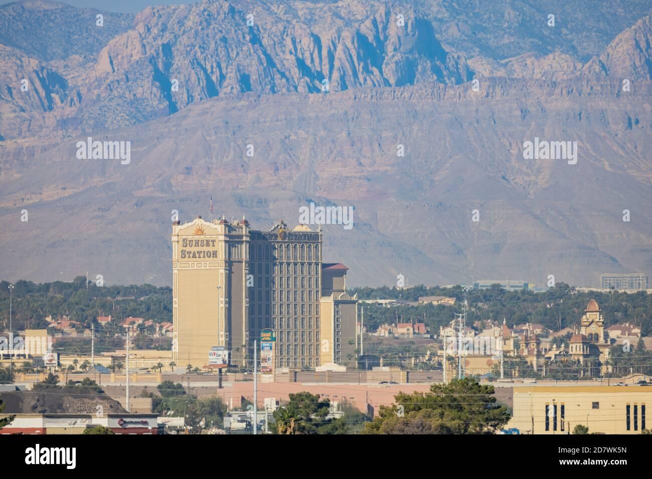 Las Vegas, 17 DE OCTUBRE de 2020 - Vista soleada del famoso horizonte de la avenida principal Foto de stock