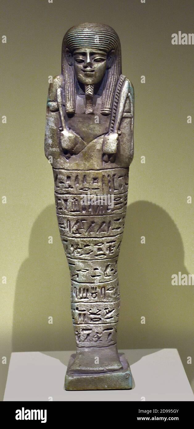 Shabti de Psamtik cuyo hermoso nombre es Lhames Faience período final de la XXVI Dinastía 664-525 AC Egipto, egipcio. Foto de stock