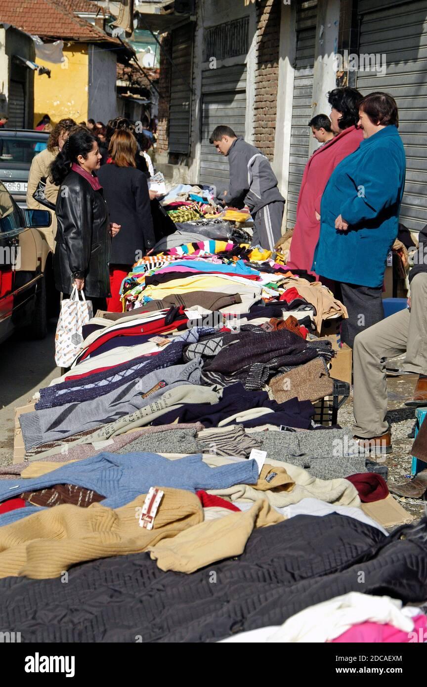 Mercado callejero, Tirana central, Albania Foto de stock