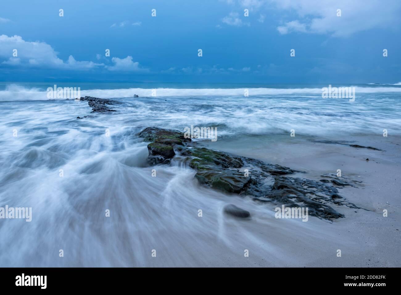 Playa Punta Leona, Provincia de Puntarenas, Costa pacífica de Costa Rica Foto de stock