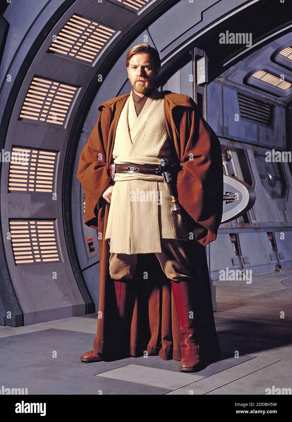 NO HAY PELÍCULA, NO HAY VÍDEO, NO hay televisión, NO HAY DOCUMENTAL - Obi-Wan Kenobi (Ewan McGregor) en sus batas Jedi, en Star Wars. Foto por KRT/ABACAPRESS.COM Foto de stock