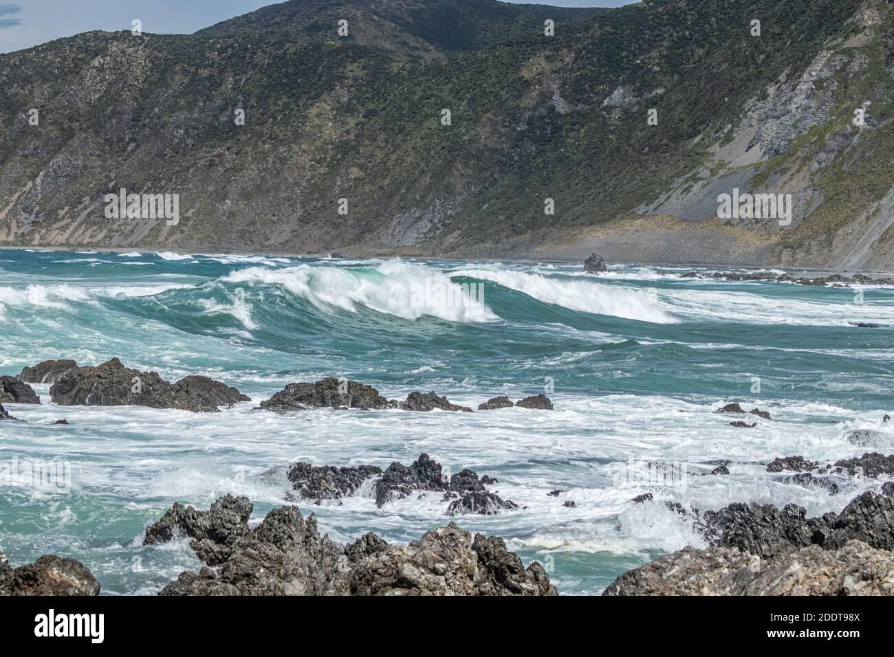 Aguas tormentosas frente a Wellington Foto de stock