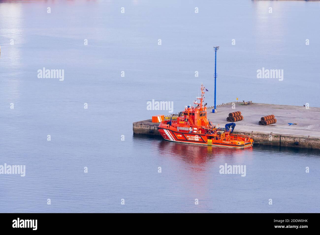 María de Maeztu, barco de rescate marítimo.Sociedad de Salvamento y Seguridad Marítima. El Musel, Gijón, Principado de Asturias, España, Europa Foto de stock