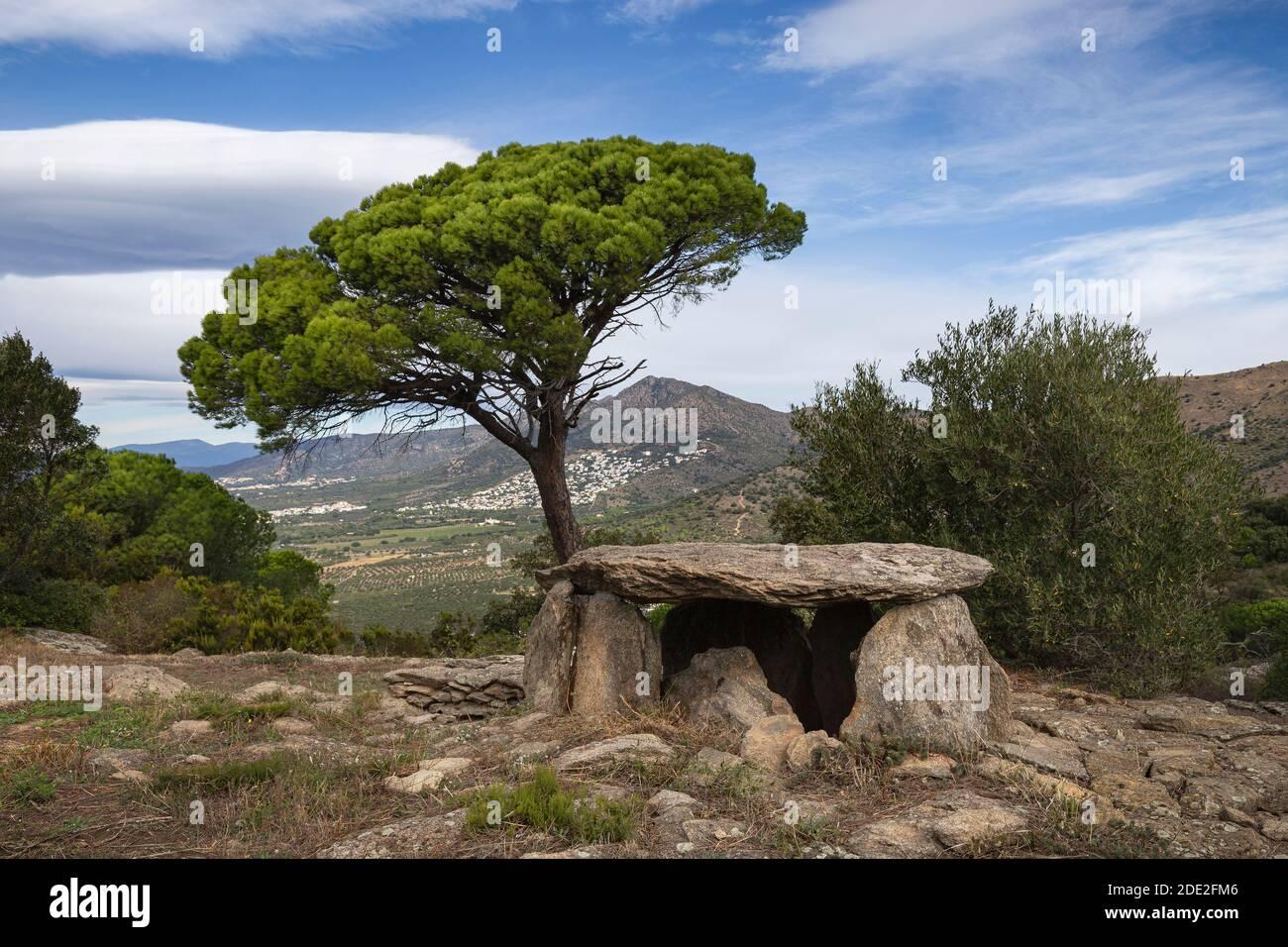 Llit de la Generala Dolmen, Tumba megalítica en Roses, Alt Empodra, Cataluña Foto de stock